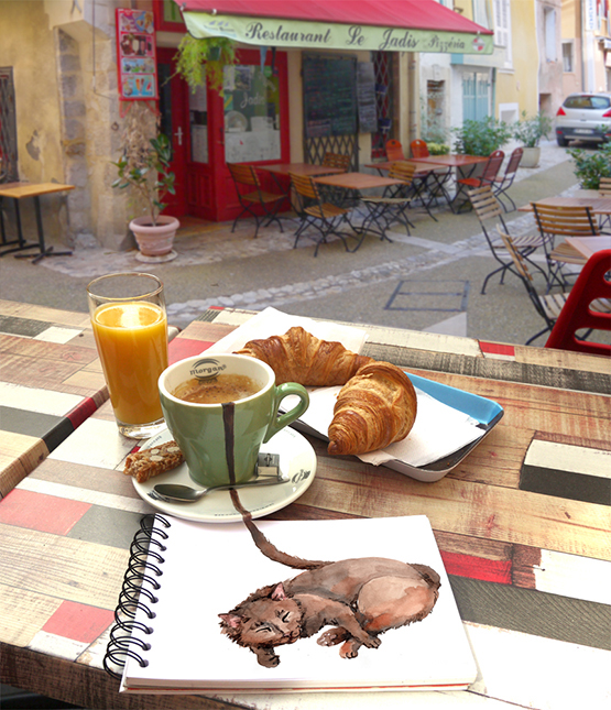Café francês, sempre acompanhado de croissant e um suco