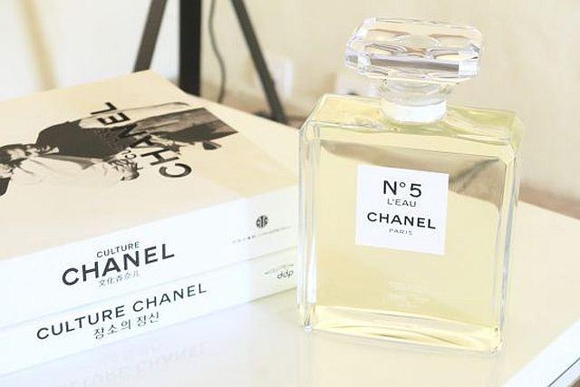 chanel-n-5-leau-3