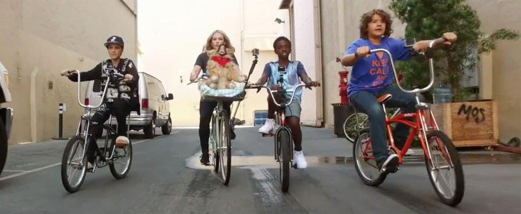 As crianças de Stranger Things aprendem sobre os anos 80 com Chelsea Handler